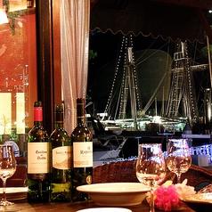 店内からは光輝く帆船や長崎港の絶景が愉しめる♪