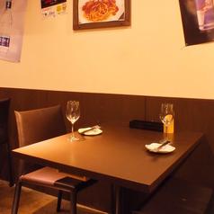 デートにぴったりの壁際のお席♪とっても居心地が良いので人気です♪
