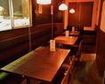 【リニューアル】ゆったり6名様掛けのテーブル席も完備!