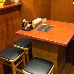 ゆっくりくつろぎながらお食事ができるテーブル席をご用意◇女子会や少人数の飲み会に◎