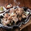 料理メニュー写真知覧鶏と霧島鶏[備長炭使用]ももミックス (並/小)