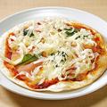 料理メニュー写真なまなまピザの花チーズかけ 生ハム&生モッツアレラ