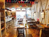 カリフォルニアのカフェをイメージした空間