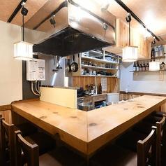 カウンターは全8席ご用意がございます。お一人のお客さまや並んでお食事を愉しまれる方にはぴったりのお席です♪