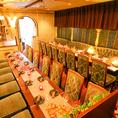 ダイニングテーブル。お席の結合も可能です!2名様から20名様まで!個室居酒屋 ビアホール 宴会 飲み会 女子会 合コン 記念日 誕生日 デート 3時間 無制限 飲み放題 食べ放題ならデザイナーズ個室×食べ放題 桜ガーデン-sakura garden- 渋谷店