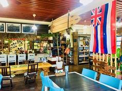 まるでハワイに来たかのような店内♪明るい店内でゆっくりとした時間を過ごせます♪