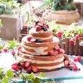 専属のパティシエが作るかわいいケーキ☆ウェディングケーキはもちろんのこと、送別会や歓迎会にもオリジナルケーキのご用意は可能です。日頃の感謝をこめて、主役に喜ばれるメッセージプレートを付きケーキを贈るのはいかが?
