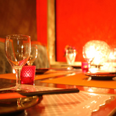 2名様用テーブル席★デートなどにおすすめの2名様用テーブル席は気軽に利用出来るお席です。当日の空席状況などは当店までお問い合わせください。~ビアホール 宴会 飲み会 女子会 合コン 記念日 誕生日ならデザイナーズ個室×食べ放題 ビストロ ザ・ミート -Bistro The Meat- 池袋東口店