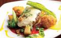料理メニュー写真オマール海老のクリームコロッケ添えハンバーグ 情熱のトマトソース