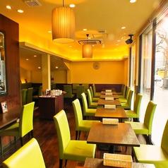 cafe&bar brace marunouchi カフェ&バー ブレース マルノウチの雰囲気1