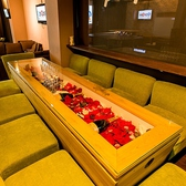 ◆ソファー席(~10名様)◆10名様までご利用可能なソファー席はラグジュアリーなムードで女性にも人気です。人数の集まるパーティーでもひとつのテーブルを囲めるのが嬉しい!