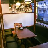 窓際の人気のテーブル席がたくさん♪