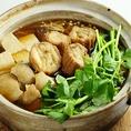 冬限定のせり鍋です。ご接待や歓迎会・送別会等にお薦めの仙台名物せり鍋は、せりをどっさりと贅沢に使用。根までおいしくお召し上がりいただけます。