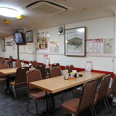 ゆったり座れるテーブル席です!!食べ飲み放題でいっぱい注文し頂いても、まだまだ余裕があります。