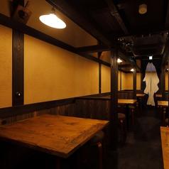 1階は全席テーブル席。4名掛けテーブル席が6卓。少人数で気軽にご利用頂けます。