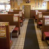 4人席×6、6人席×10で計16テーブルございます!