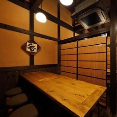 2階のテーブル席。8名掛けテーブル席を3卓ご用意。仕切りもございます。詳細はお問い合わせください。