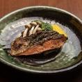 素朴ながらも味わい深い焼き魚。弱火でじっくり焼き上げます。