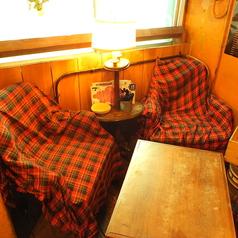 【3F】3Fの奥にあるソファー席は女性同士、カップルに人気のシートで開店直後は一番早く埋まってしまう。友人と、彼氏彼女と、ゆっくり時間をお過ごしください☆