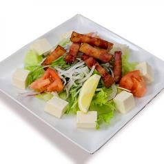 料理メニュー写真カリカリベーコンサラダ