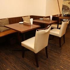2名様でご利用いただけるテーブル席です。