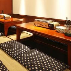 お座敷タイプのお席もご用意。畳の上で足を延ばしてお座りもいただけます。