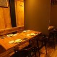 奥にあるテーブル席は最大24名様まで。