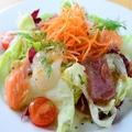 料理メニュー写真海の幸たっぷり海鮮サラダ★
