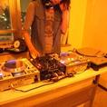 DJブース有!多様な音楽イベントに対応できるのが魅力。マイクも完備しております♪