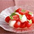 料理メニュー写真トマトとチーズのサラダ