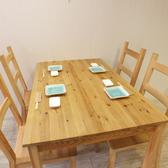 4名様用テーブル席。ラーメンランチ・ご宴会・女子会・京王八王子