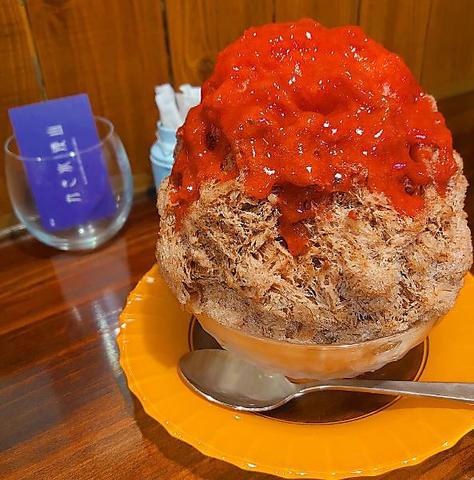 カレーとかき氷の甘辛なセットメニューあります♪それぞれのご注文ももちろんOK!
