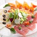 料理メニュー写真本日のカルパッチョ 3種盛り合わせ