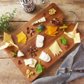 料理メニュー写真8種のチーズ盛り合わせ