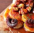 料理メニュー写真タコとポテトのガリシア風サラダ