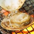 各テーブルにはコンロを設置!浜焼き・酒蒸しをお席で作ってお召し上がりいただけます!