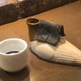 【日本酒は「はとかん」でご用意】当店では日本酒をご注文頂いた場合「はとかん」に入れて炭火で温めてご提供させて頂きます。