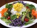 料理メニュー写真野菜いろいろシェフの気まぐれサラダ