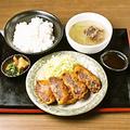 料理メニュー写真牛タンメンチ定食
