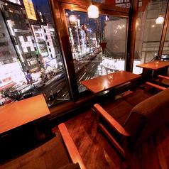 【窓際ソファ席】雰囲気抜群の窓際ソファ席☆カップルにも大人気のお席です♪