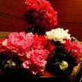 テーブルを華やかに彩る装飾花