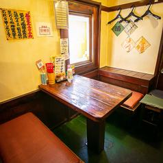最大6名様で利用可能なテーブル席は1卓ご用意しております。各種ご宴会や女子会にもおすすめです◎