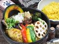 料理メニュー写真チキンと野菜のスープカレー