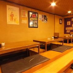 少人数~中人数でのご利用の場合、席を組み合わせて6名~のご利用も可能です。