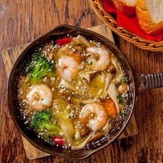 料理メニュー写真小海老とキノコのアヒージョ