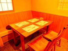 1階のテーブル席です。4名様~12名様までのご利用が可能です。