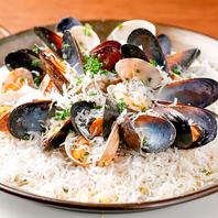 名物地中海料理◎新鮮魚貝を使用したアラカルトメニュー