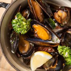 料理メニュー写真ムール貝のシトロンビール蒸し