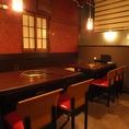 テーブル席は1テーブル2名様~8名様ご利用可能です。大切な記念日、歓送迎会、会社宴会など、人数に合わせて最大22名様までご利用いただけますので、是非お気軽にお問い合わせ下さい。