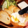 料理メニュー写真手作りチーズ豆腐【バケット付き】